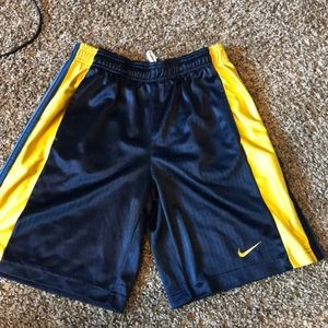 ⚡️FLASH SALE⚡️ Nike Basketball Shorts